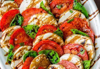 意式全餐速成—-番茄马苏里拉沙拉,蒜香橄榄油意面与意式奶冻